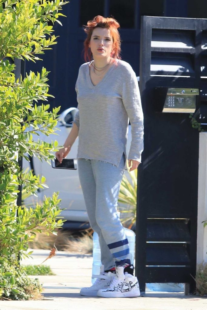Bella Thorne Was Seen Out in Studio City 11/06/2017-1