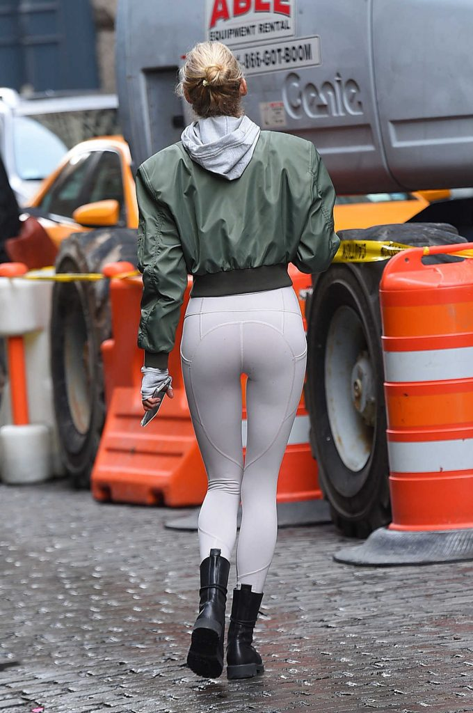 Elsa Hosk Was Seen Out in NYC 11/16/2017-5