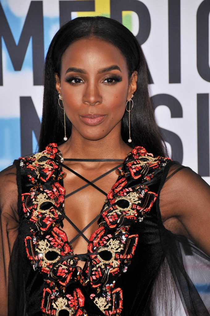 Kelly Rowland at 2017 American Music Awards at the Microsoft Theater in Los Angeles 11/19/2017-4