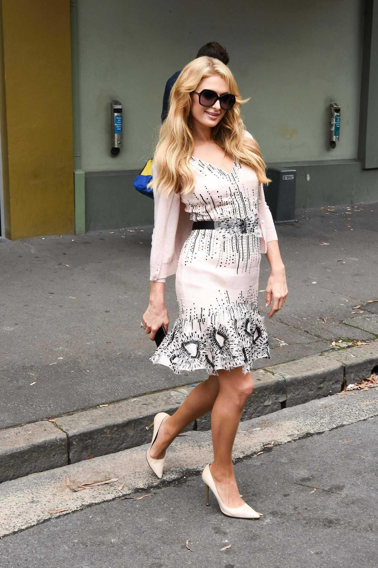 Paris hilton dating in Sydney