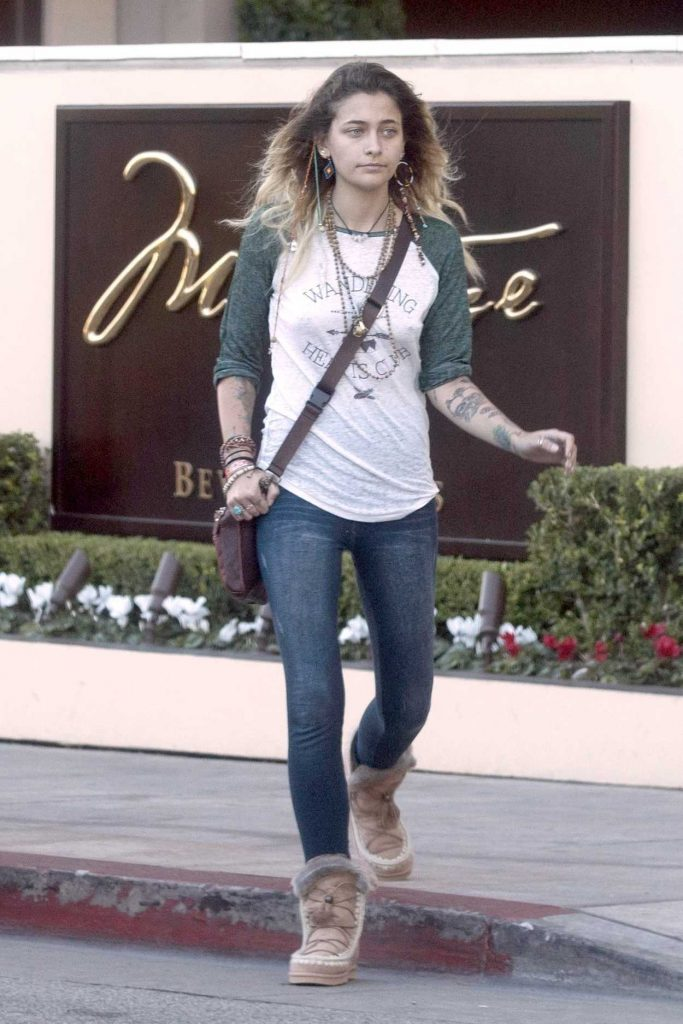 Paris Jackson Was Seen Out in the 90210 Area in Beverly Hills 11/17/2017-1