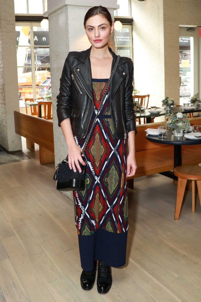 Phoebe Tonkin at the Barrie's Friendsgiving Lunch in New York City 11/14/2017-1
