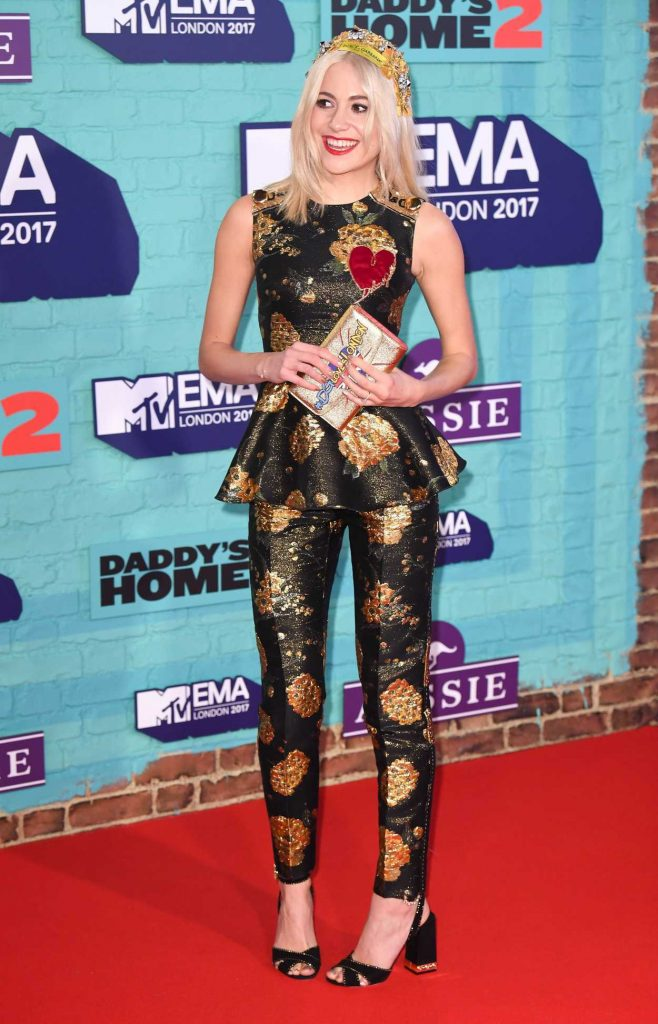 Pixie Lott at the 24th MTV Europe Music Awards in London 11/12/2017-2