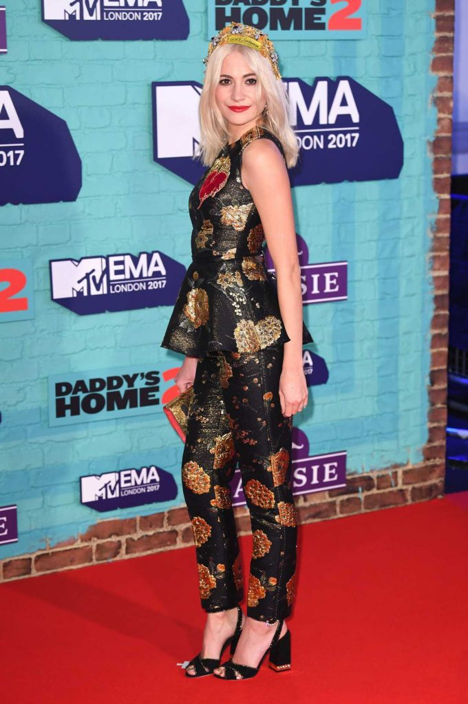 Pixie Lott at the 24th MTV Europe Music Awards in London 11/12/2017-3