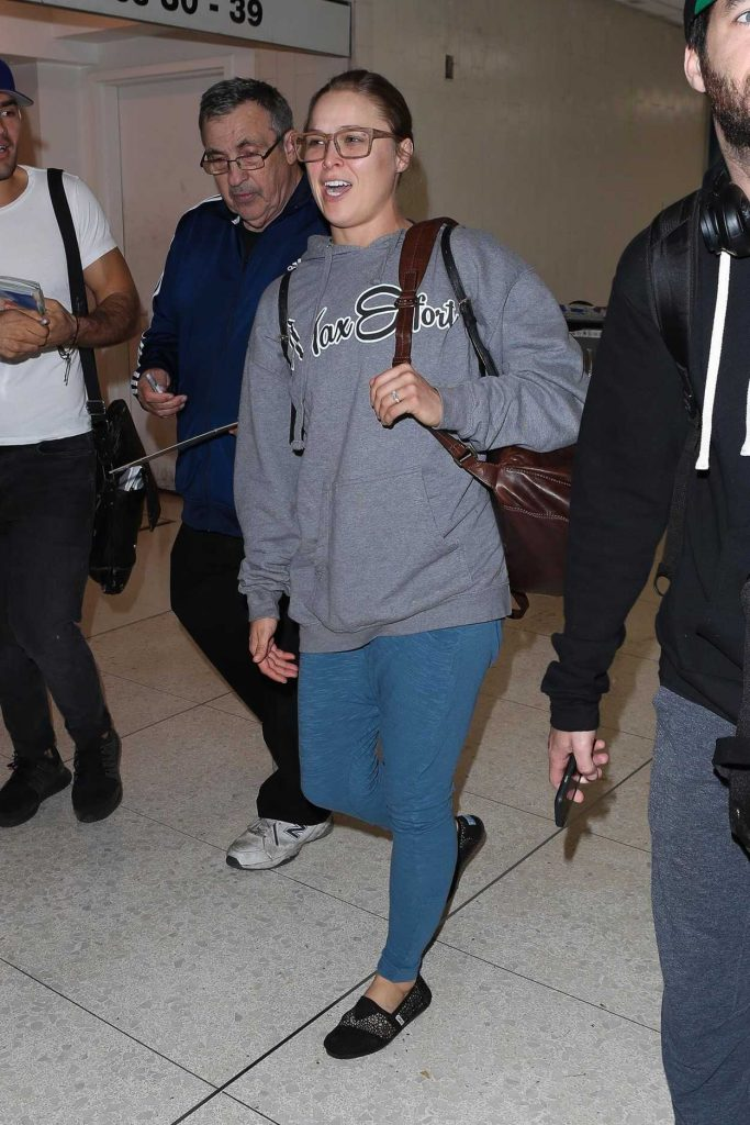 Ronda Rousey Arrives at LAX Airport in Los Angeles 11/07/2017-1