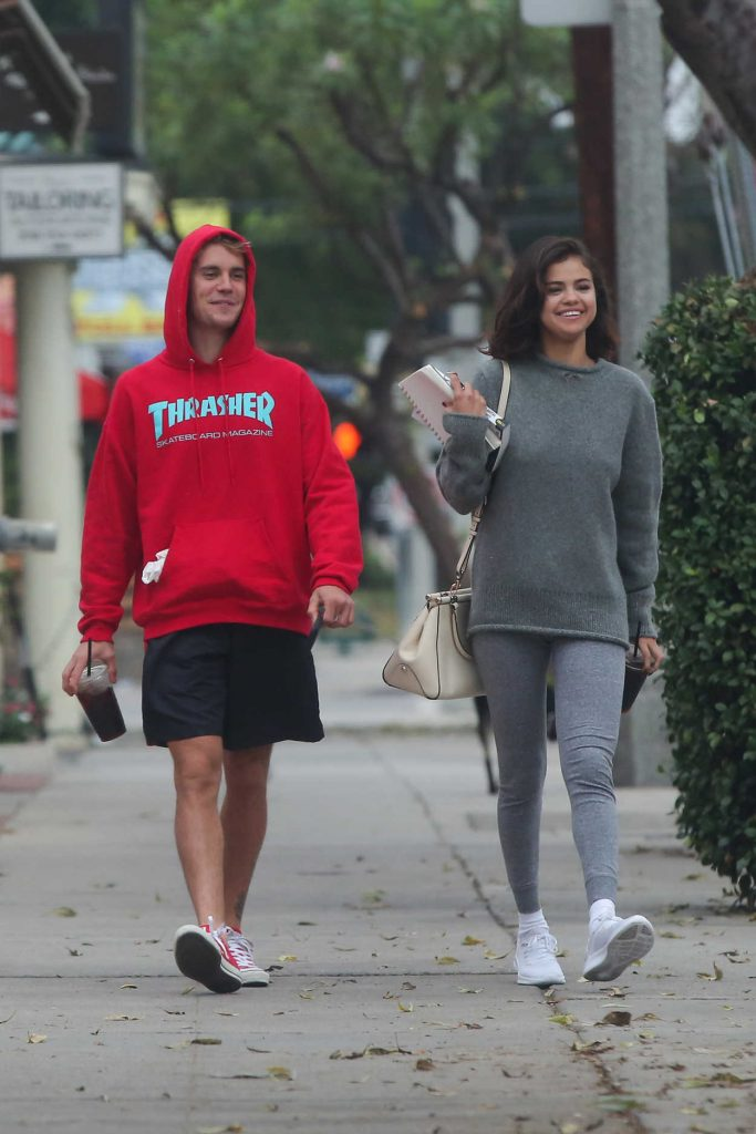 Selena Gomez Was Seen With Justin Bieber Out in LA 11/01/2017-1