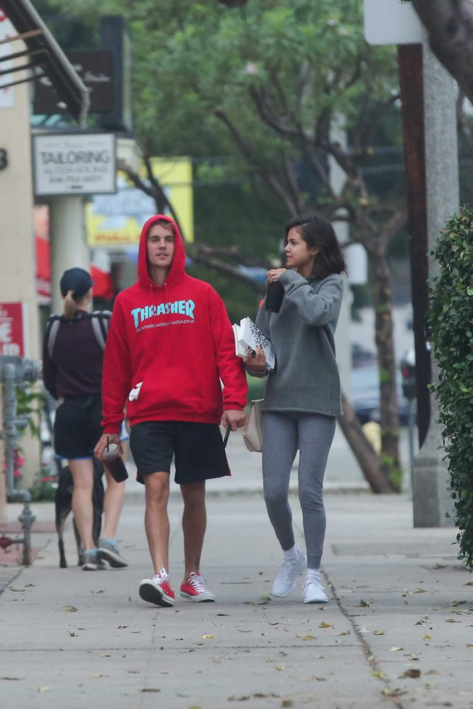 Selena Gomez Was Seen With Justin Bieber Out in LA 11/01/2017-2