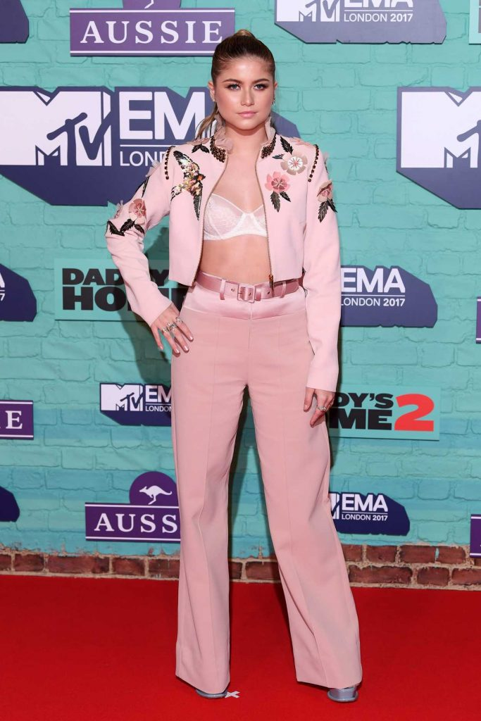 Sofia Reyes at the 24th MTV Europe Music Awards in London 11/12/2017-2