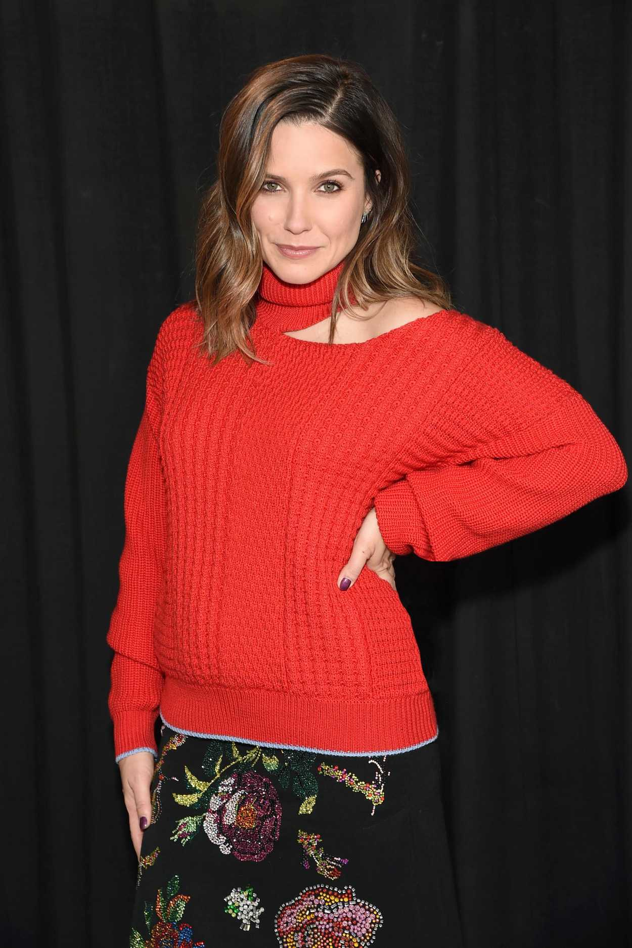 Sophia Bush Joined Paypal In Support Of The Givingtuesday