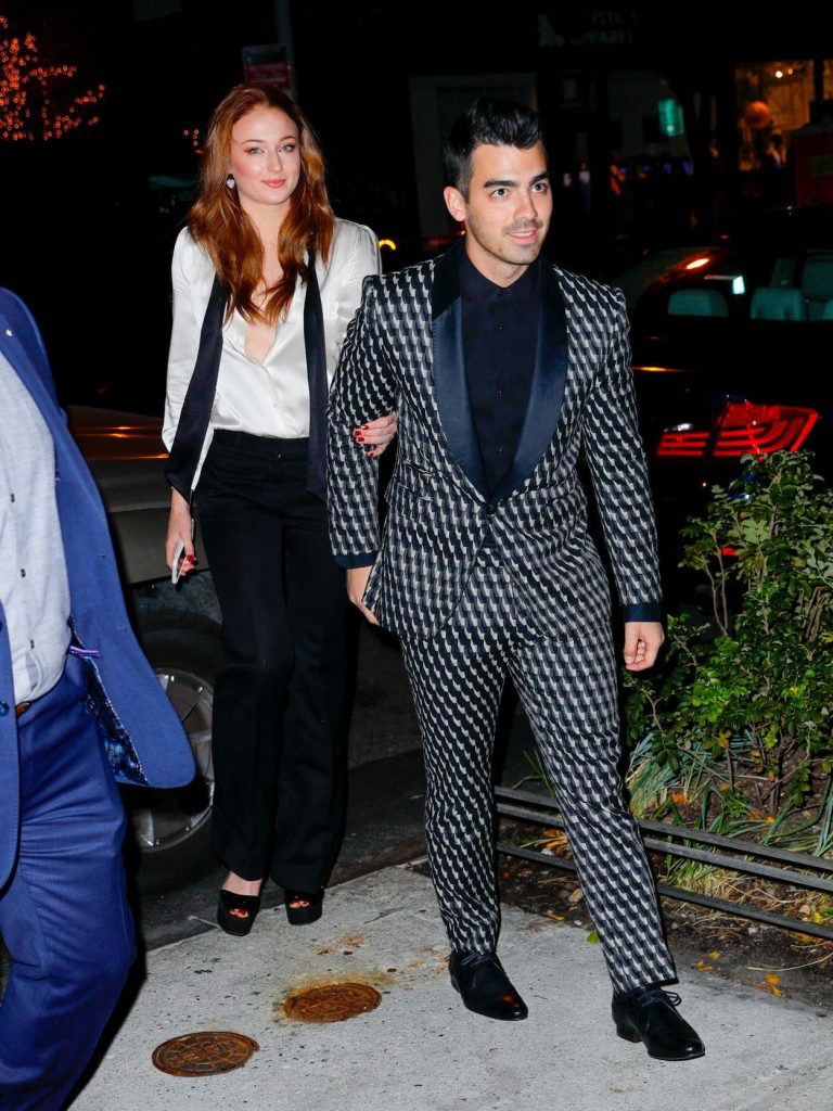 Sophie Turner Arrives for Her Engagement Party and Dinner With Joe Jonas in NYC 11/04/2017-2