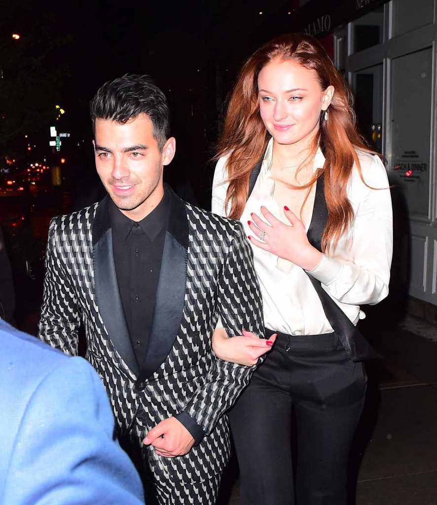 Sophie Turner Arrives for Her Engagement Party and Dinner With Joe Jonas in NYC 11/04/2017-5