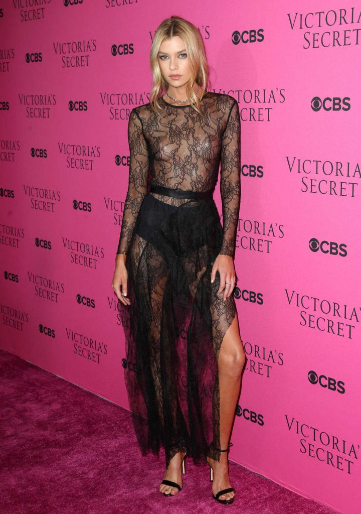 Stella Maxwell at 2017 Victoria's Secret Fashion Show Viewing Party in New York City 11/28/2017-1