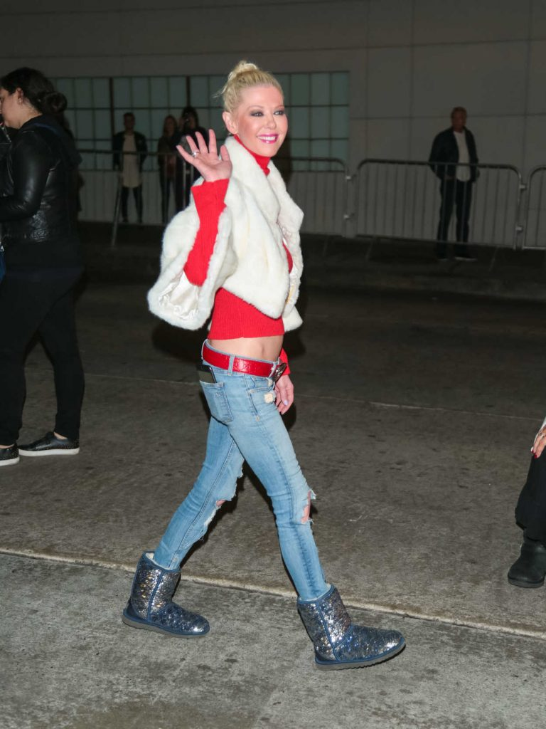 Tara Reid Arrives at the 86th Annual Hollywood Christmas Parade in Los Angeles 11/26/2017-2