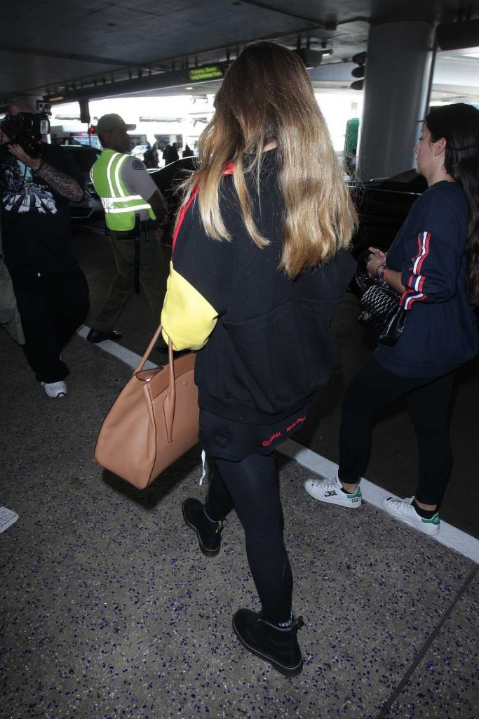 Thylane Blondeau Arrives at LAX Airport in Los Angeles 11/07/2017-5