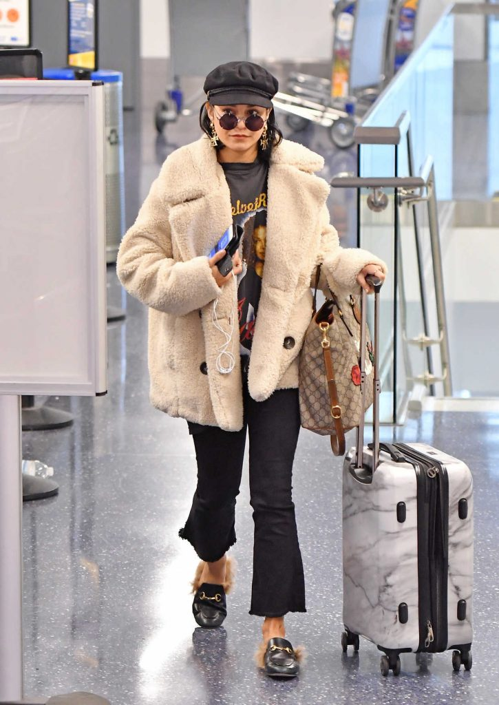 Vanessa Hudgens Arrives at LAX Airport in LA 11/07/2017-1