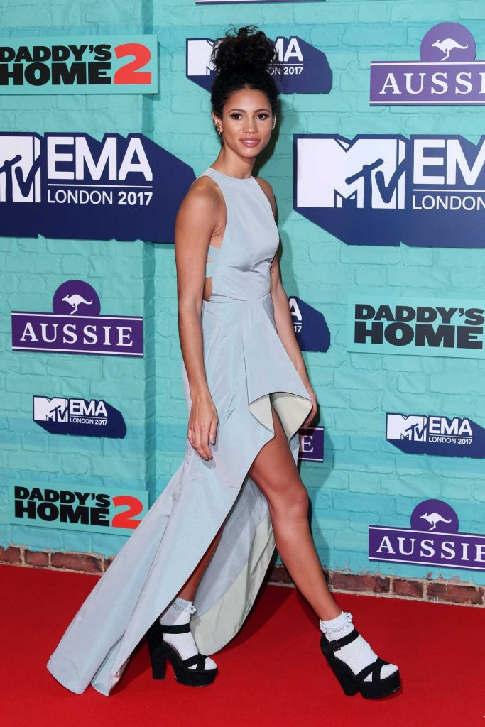 Vick Hope at the 24th MTV Europe Music Awards in London 11/12/2017-5