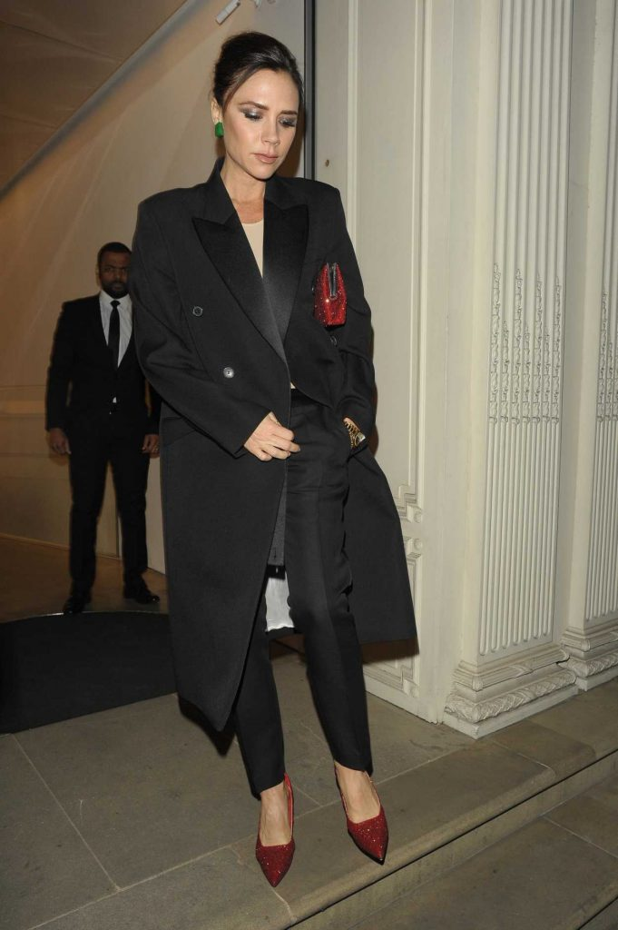Victoria Beckham Leaves Her Dover Street Store in London 11/28/2017-1