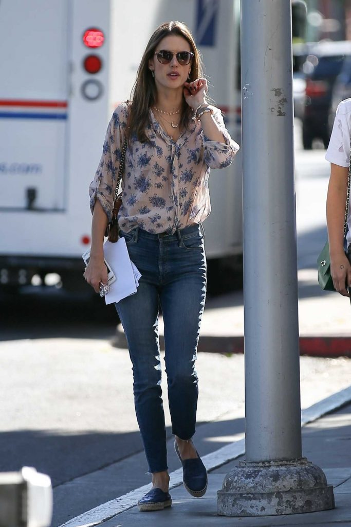 Alessandra Ambrosio Was Seen Out in Beverly Hills 12/12/2017-2