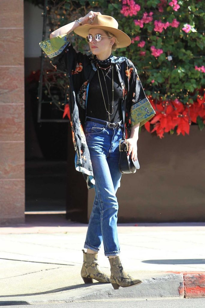 Amber Heard Was Seen Out in Beverly Hills 12/04/2017-1