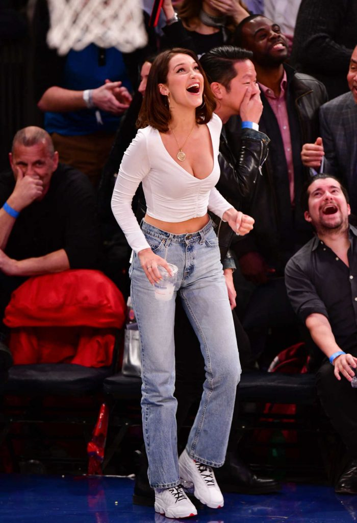 Bella Hadid at the Los Angeles Lakers vs. New York Knicks Game in New York 12/12/2017-3