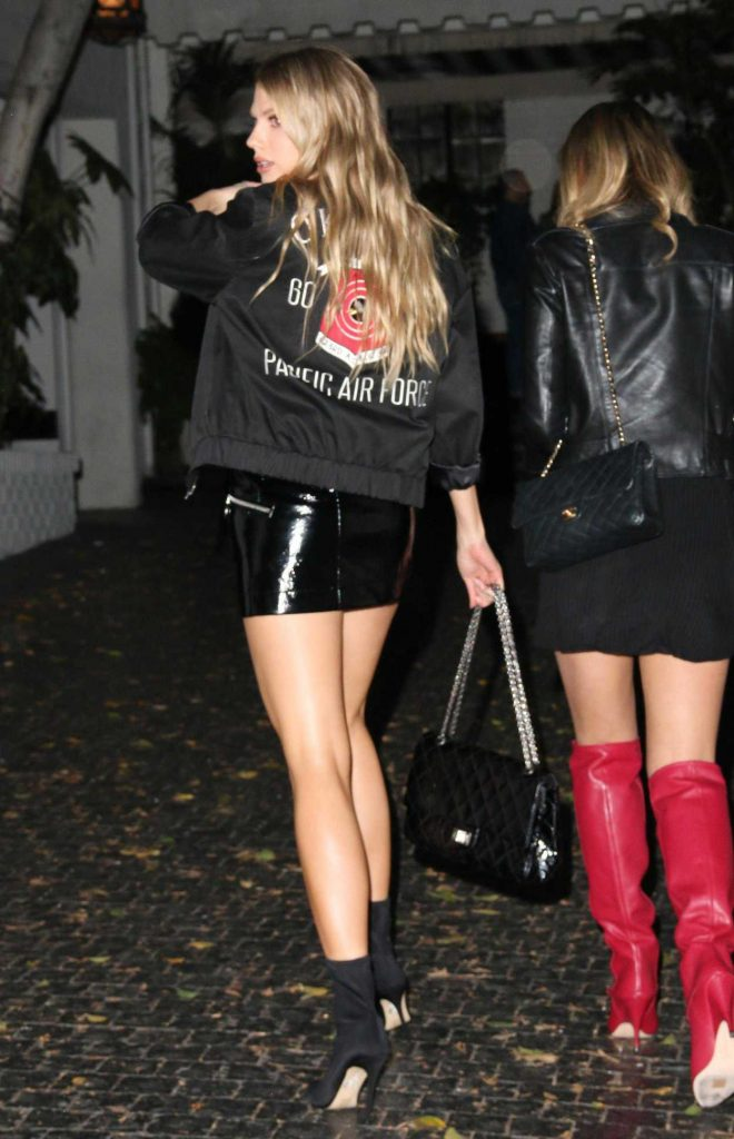 Charlotte McKinney Arrives at Chateau Marmont in Los Angeles 12/04/2017-3