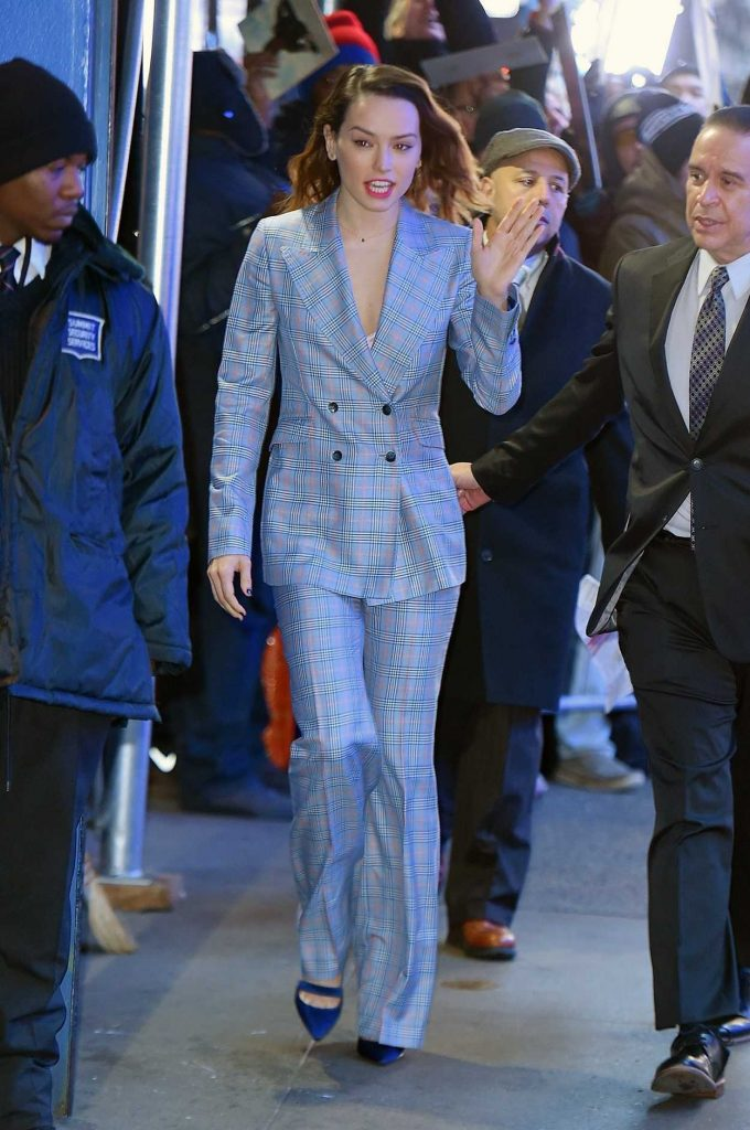 Daisy Ridley Arrives at Good Morning America Studios in New York 11/28/2017-1