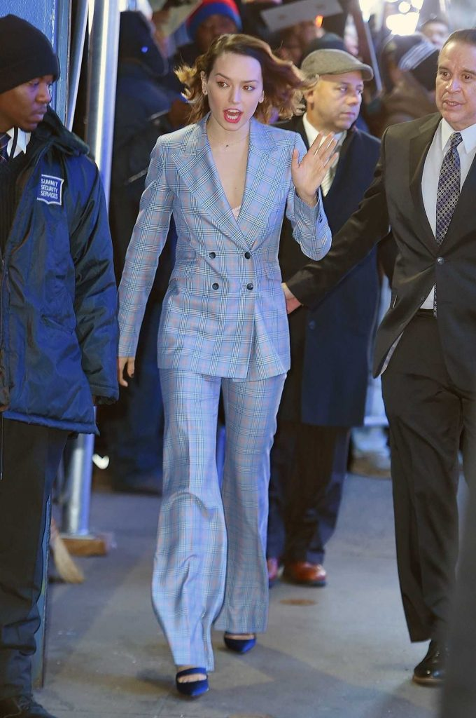 Daisy Ridley Arrives at Good Morning America Studios in New York 11/28/2017-2