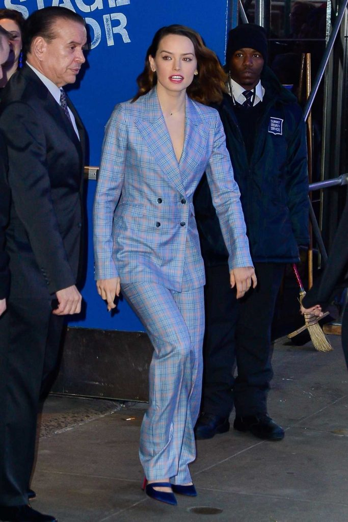 Daisy Ridley Arrives at Good Morning America Studios in New York 11/28/2017-3