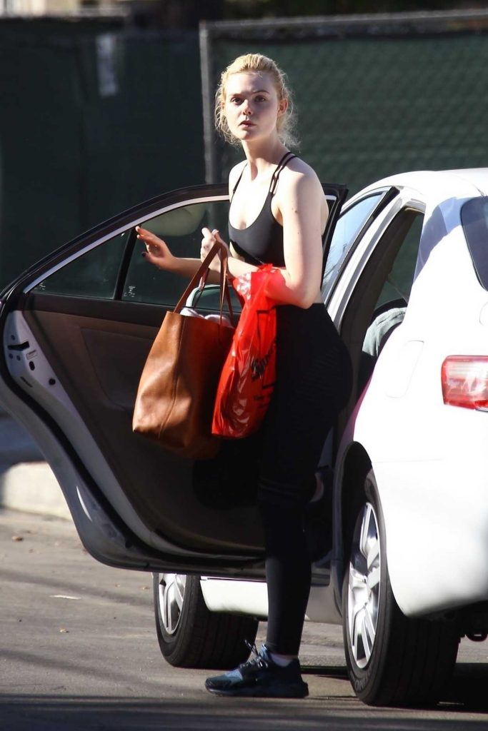Elle Fanning Grabs a Ride in Beverly Hills 12/02/2017-1