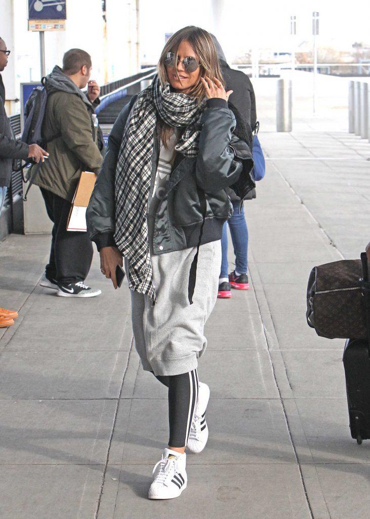 Heidi Klum Arrives at JFK Airport in New York 12/20/2017-3