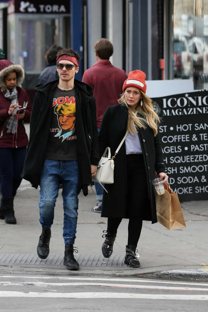 Hilary Duff Goes Shopping with Her Boyfriend Matthew Koma in Soho, New York City 12/20/2017-1