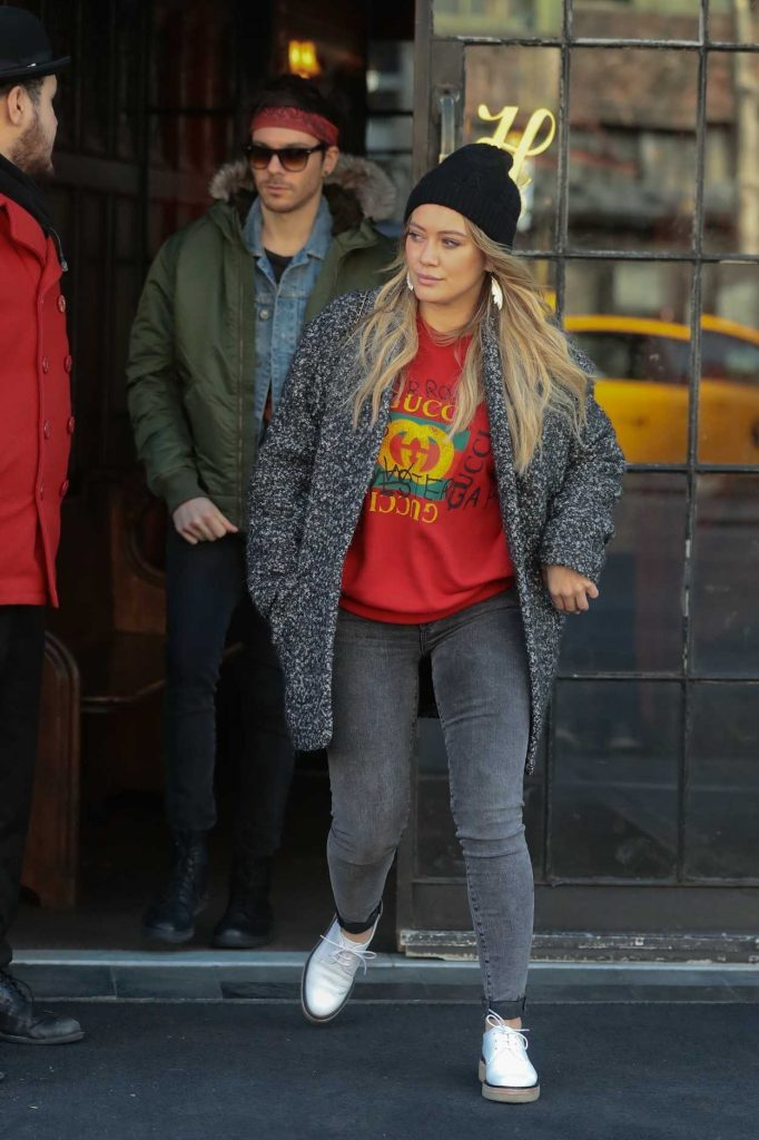 Hilary Duff Leaves Her Hotel in NYC 12/21/2017-1