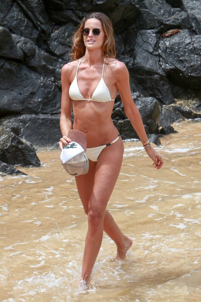 Izabel Goulart Wears a White Bikini at the Beach in Fernando de Noronha, Brazil 12/28/2017-1