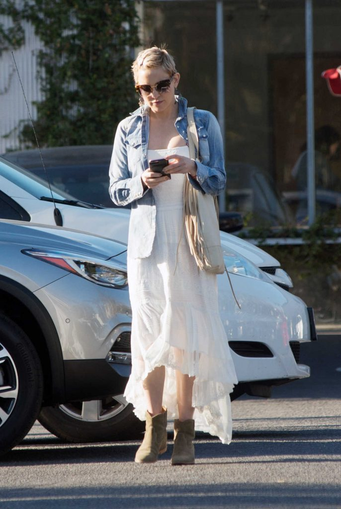 Kate Hudson Was Seen Out in Venice 12/19/2017-1