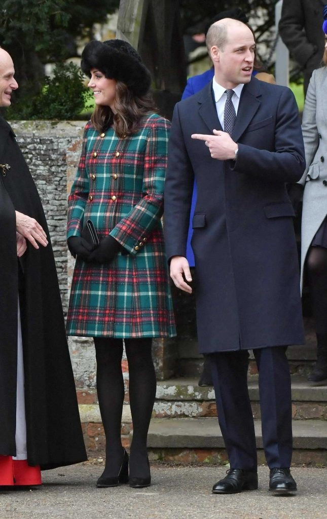 Kate Middleton Arrives at the Church of St Mary Magdalene in King's Lynn 12/25/2017-4