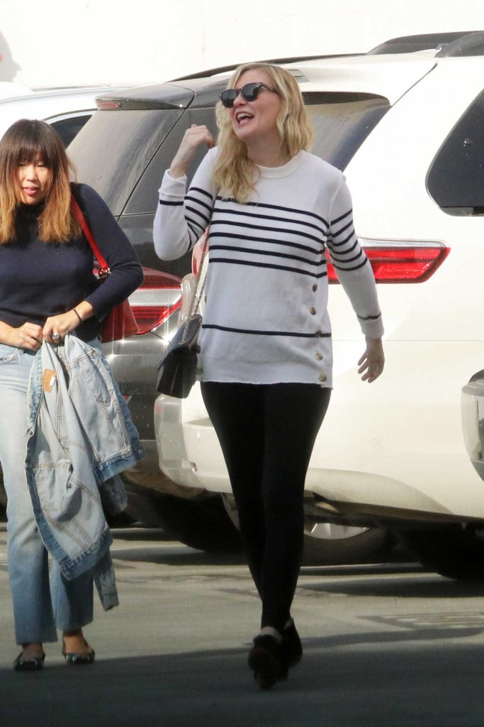 Kirsten Dunst Leaves an Office Building in Santa Monica 12/20/2017-2