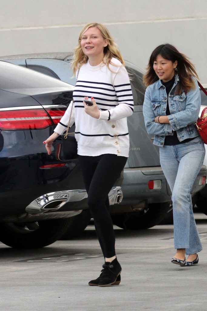Kirsten Dunst Leaves an Office Building in Santa Monica 12/20/2017-5