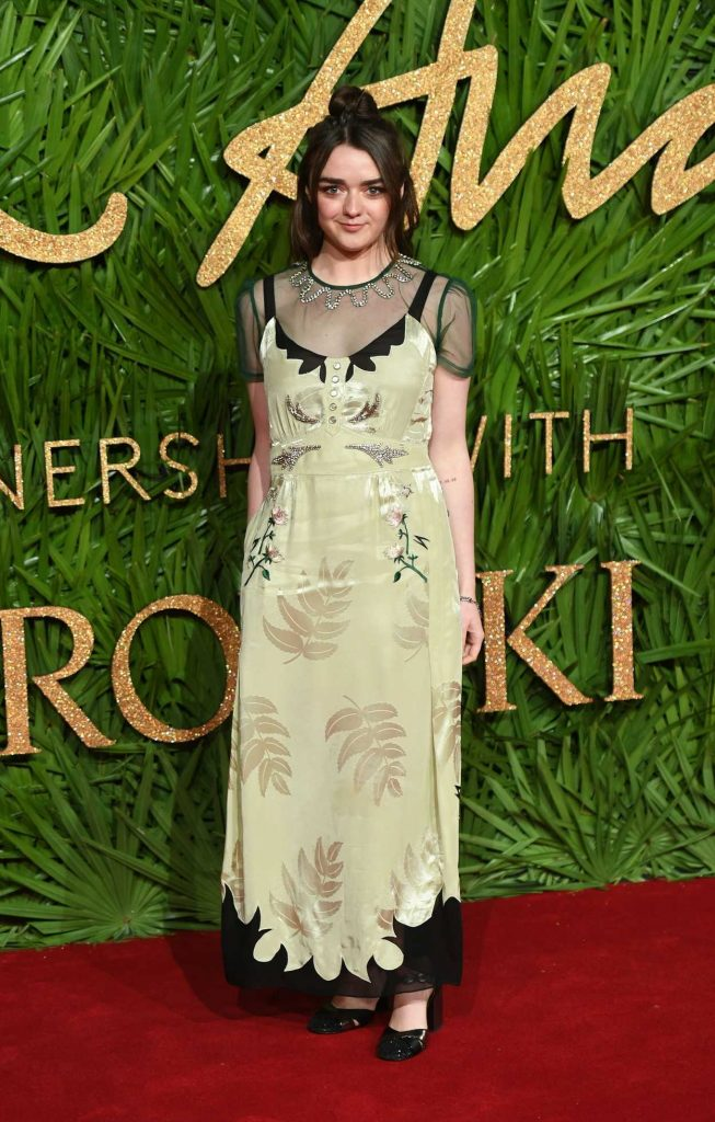 Maisie Williams at 2017 British Fashion Awards at the Royal Albert Hall in London 12/04/2017-2