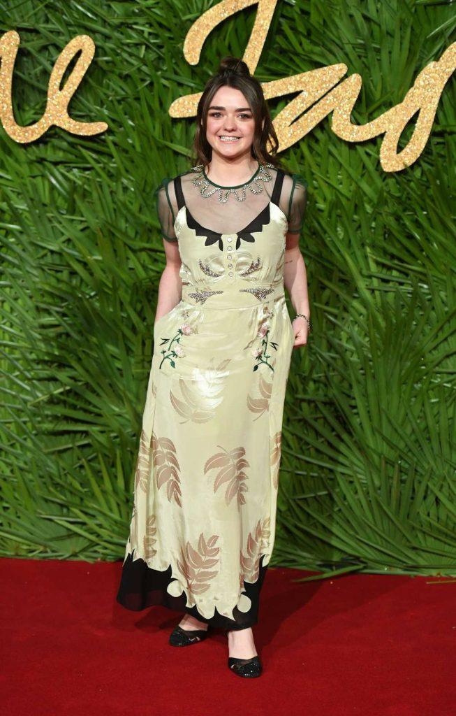 Maisie Williams at 2017 British Fashion Awards at the Royal Albert Hall in London 12/04/2017-3