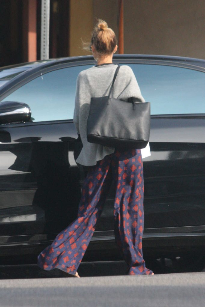Nicole Richie Was Spotted with Her Family Out in Los Angeles 12/26/2017-5