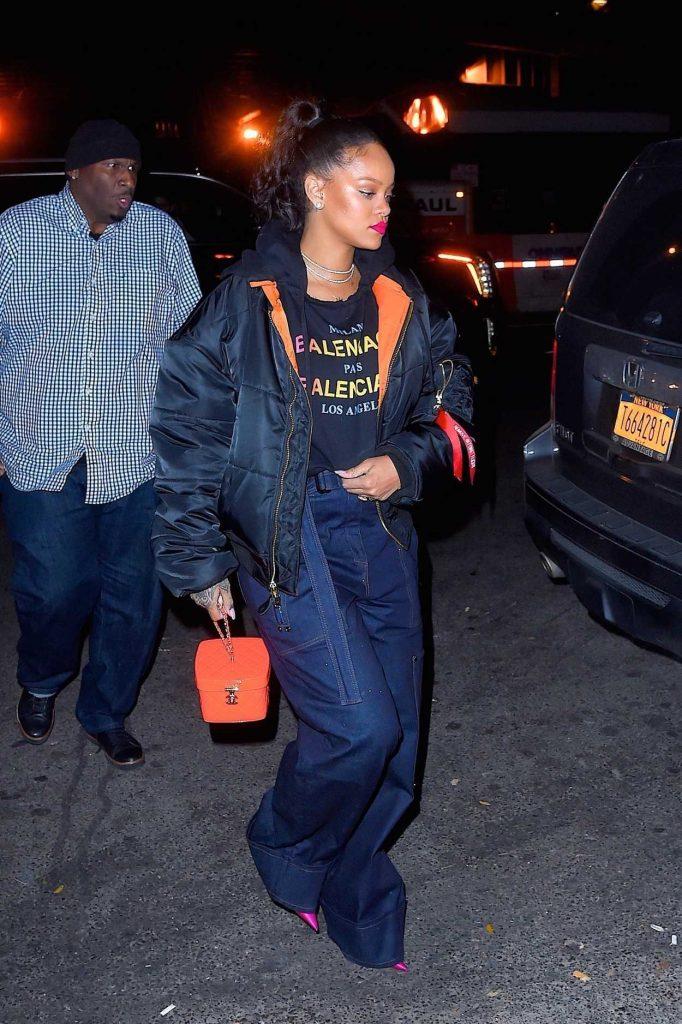 Rihanna Leaves Avenue Nightclub in Hollywood 12/08/2017-2