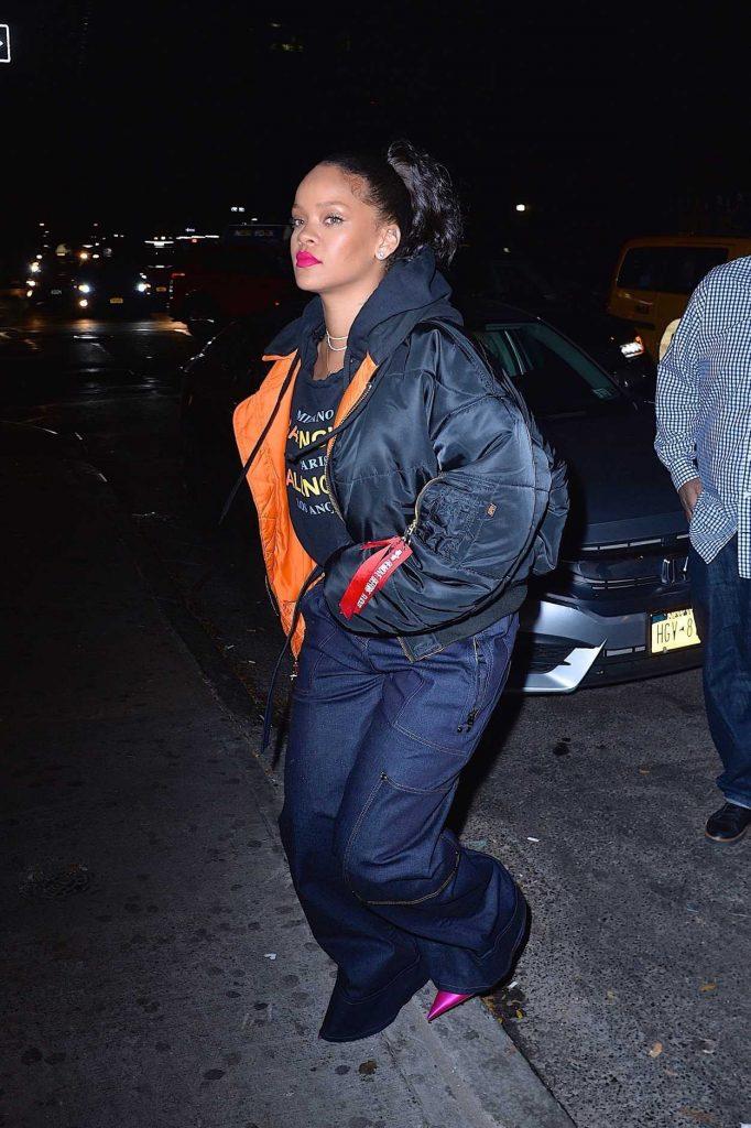 Rihanna Leaves Avenue Nightclub in Hollywood 12/08/2017-3