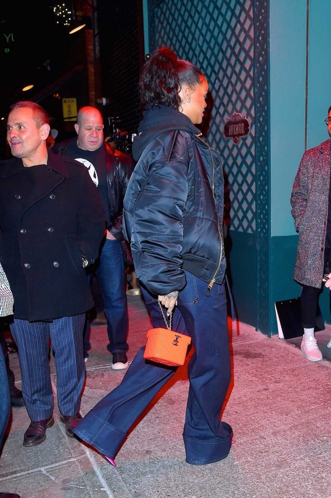 Rihanna Leaves Avenue Nightclub in Hollywood 12/08/2017-5