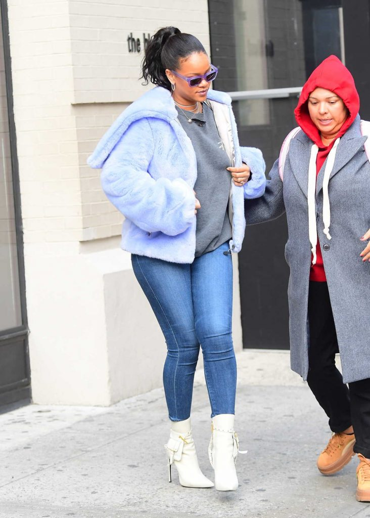 Rihanna Was Seen Out in Soho 12/09/2017-3