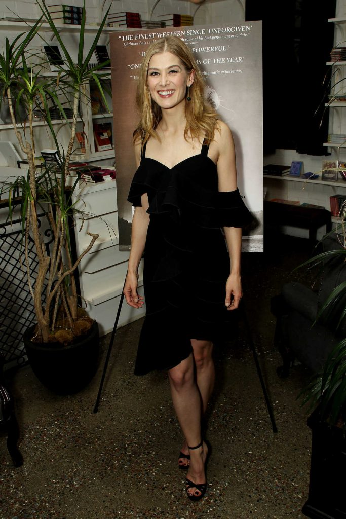 Rosamund Pike at New York Special Screening of Hostiles After Party in New York 12/19/2017-1