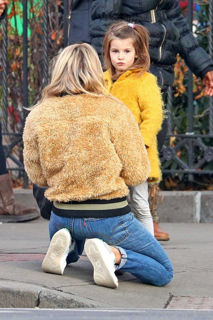 Sienna Miller Was Seen with Her Daughter Out in NYC 12/19/2017-2