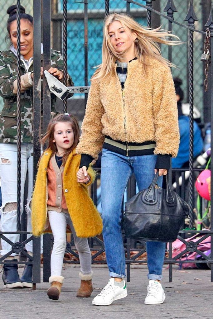 Sienna Miller Was Seen with Her Daughter Out in NYC 12/19/2017-3