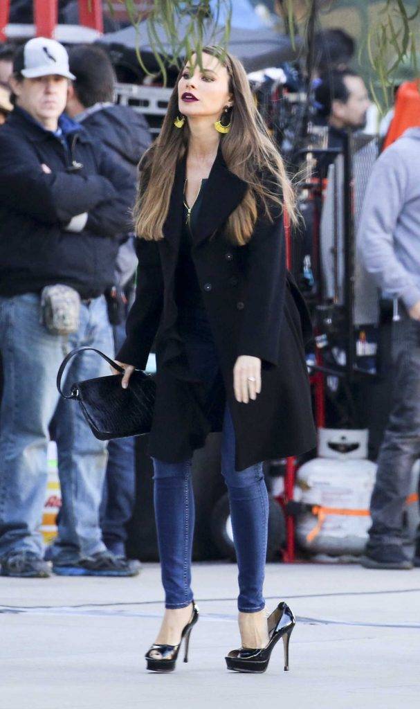 Sofia Vergara on the Set of Modern Family in Los Angeles 12/07/2017-4