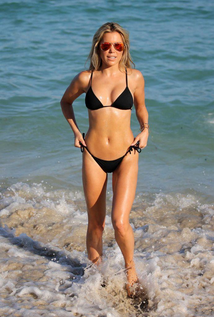 Sylvie Meis Wears a Black Bikini at the Beach in Miami 12/29/2017-2