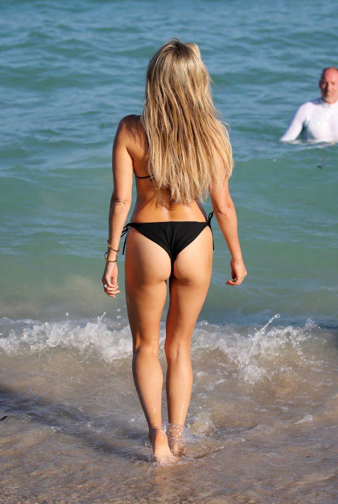 Sylvie Meis Wears a Black Bikini at the Beach in Miami 12/29/2017-5